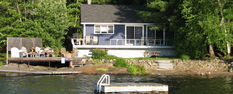 Beautiful 2 Bedroom Cottage on Honey Harbour
